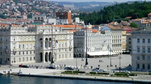 Trieste italia plaza central